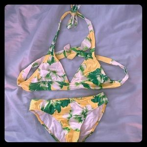 Swim suit set top and bottom l, size MD(8-10) used